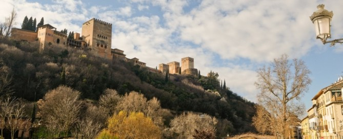 Tour gratuito por Granada al reservar con Hostal Costa Azul