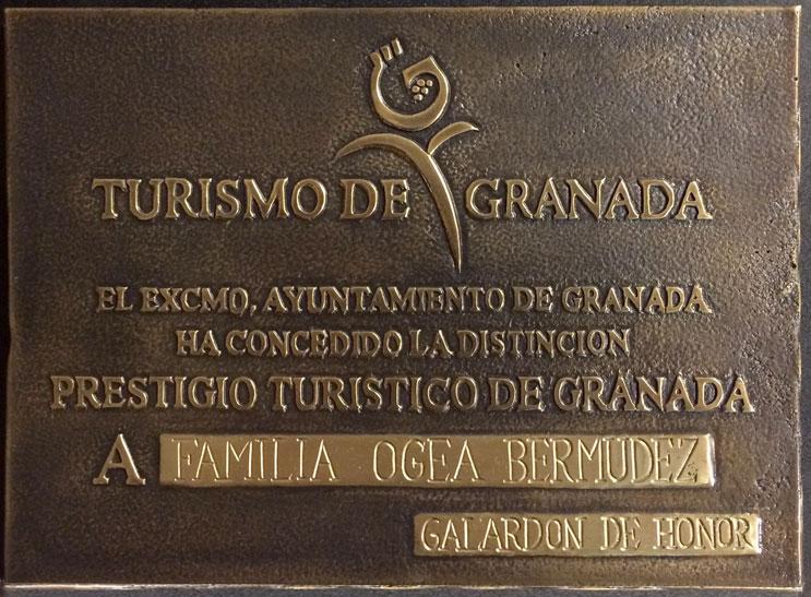 Premios-Prestigio-Turístico-2015-para-Hostal-y-Apartamentos-Costa-Azul